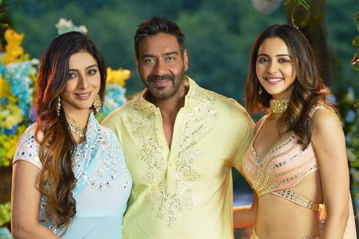 दे दे प्यार दे- India TV