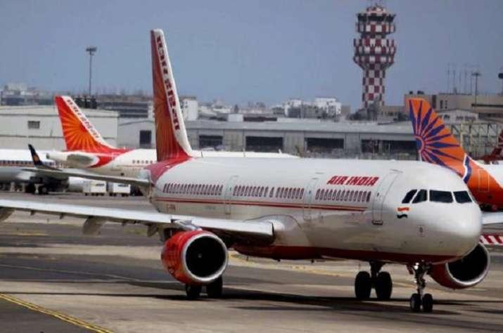 एयर इंडिया का सर्वर डाउन, दुनिया भर में हजारों यात्री एयरपोर्ट पर फंसे- India TV