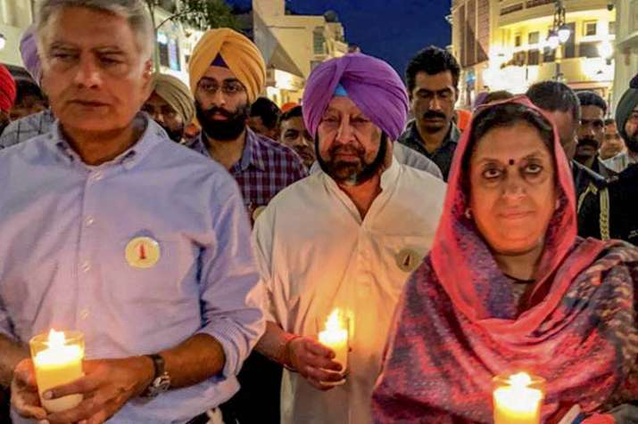Punjab Chief Minister Amarinder Singh along with leaders...- India TV