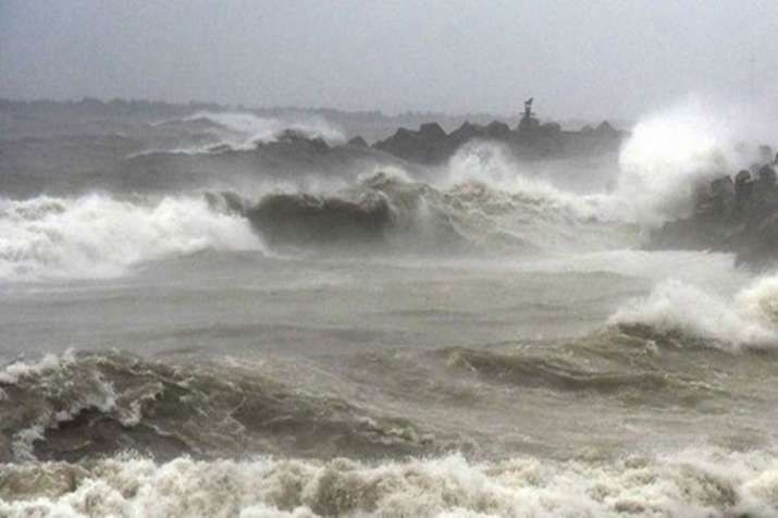 Cyclone 'Fani': NDRF, Coast Guard put on high alert; fishermen asked not to venture into sea - India TV