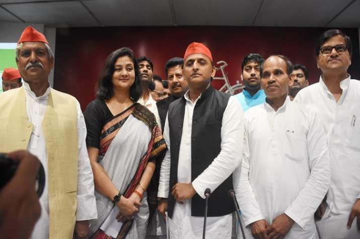 PM मोदी के खिलाफ...- India TV