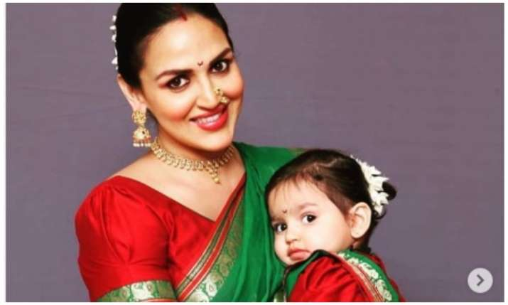 Esha deol with her daughter- India TV