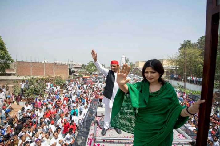 dimple yadav and akhilesh yadav- India TV