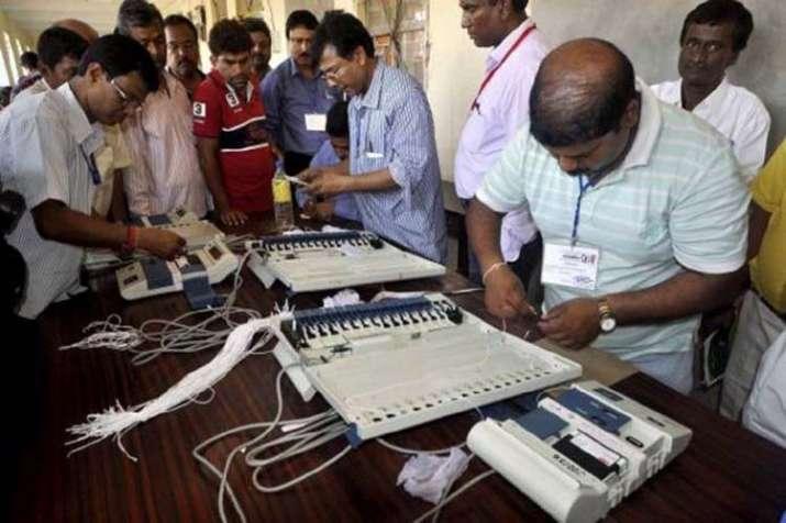 उत्तर प्रदेश में लोकसभा के दूसरे चरण का चुनाव कल, तय होगा इन दिग्गजों का भाग्य- India TV