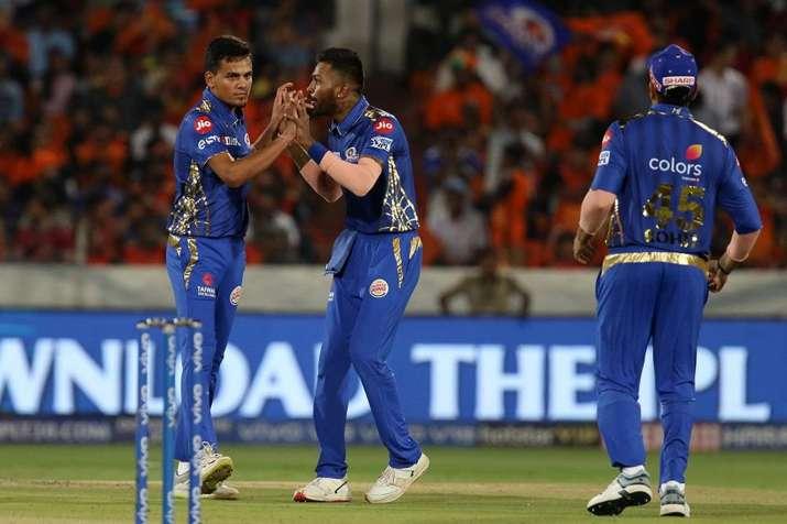 IPL 2019: धमाकेदार प्रदर्शन के बाद रोहित शर्मा ने बांधे युवा स्पिनर राहुल चाहर की तारीफों के पुल- India TV