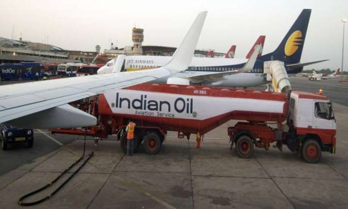 indian IOC cuts fuel supplies to Jet Airwaysoil- India TV Paisa