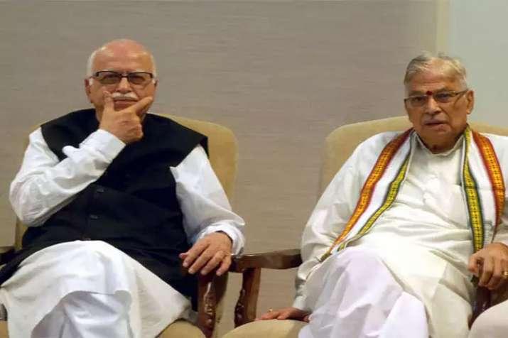 Murli Manohar Joshi meets Lal Krishna Advani in Delhi on Friday- India TV