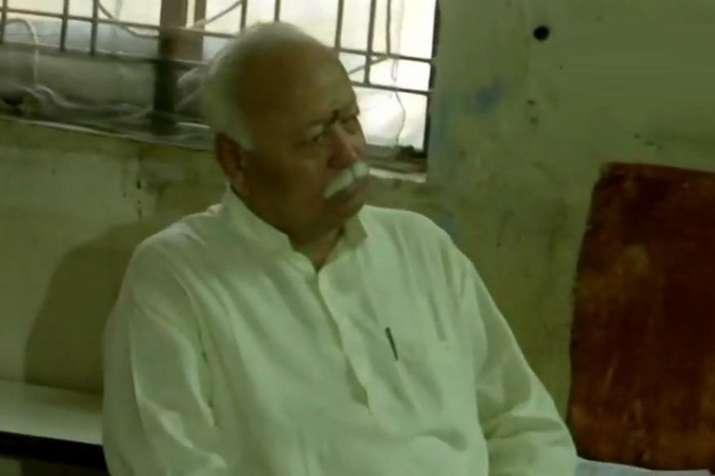 नागपुर में भागवत, जोशी सबसे पहले मतदान करने वालों में शामिल- India TV