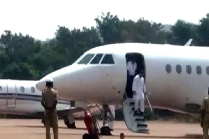 पटना जा रहे राहुल गांधी के विमान में अचानक आई खराबी, आधे रास्ते से लौटे दिल्ली- India TV