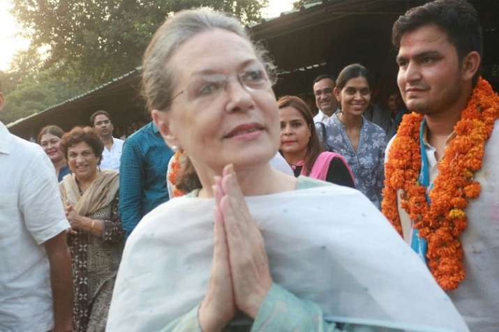रायबरेली लोकसभा सीट के लिए आज नामांकन करेंगी सोनिया गांधी- India TV
