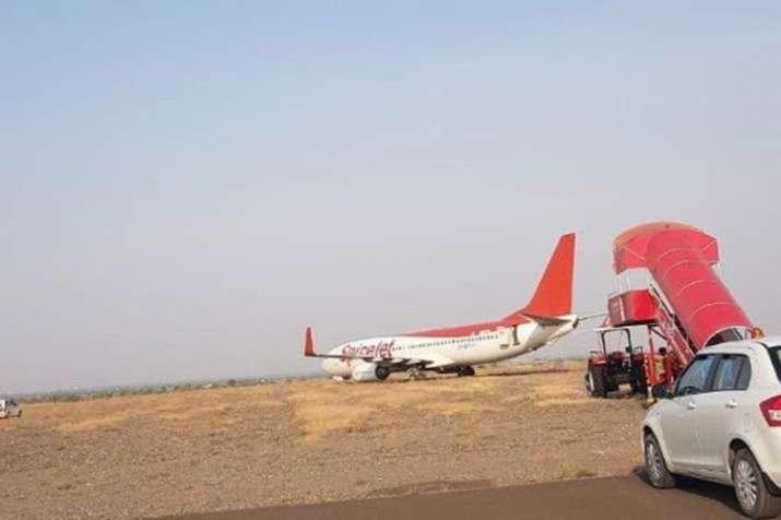Spicejet plane- India TV
