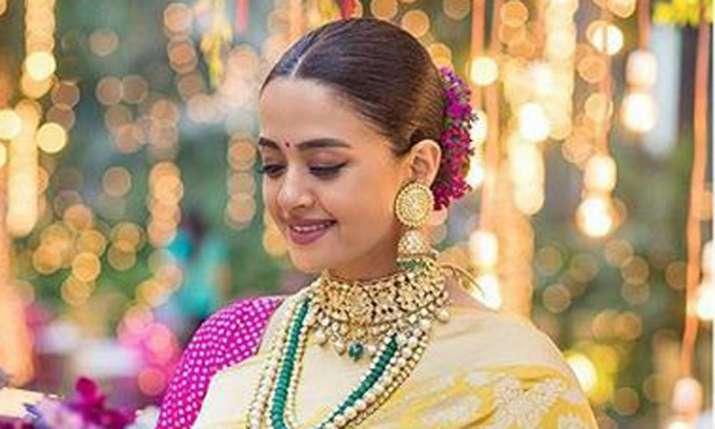 Surveen Chawla- India TV