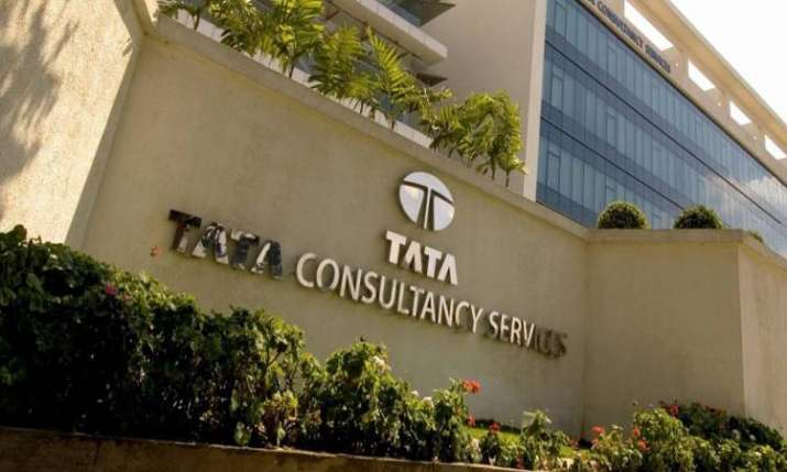 TCS Q4 net profit rises 17.7 pc to Rs 8,126 crore- India TV Paisa