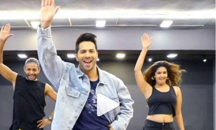 Harleen Sethi dances with Varun Dhawan on Kalank's song First Class - India TV