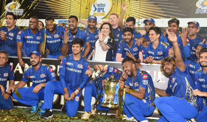 Mumbai Indians An open bus ride to welcome Champions home, Ride Start From Ambani House Antilia- India TV