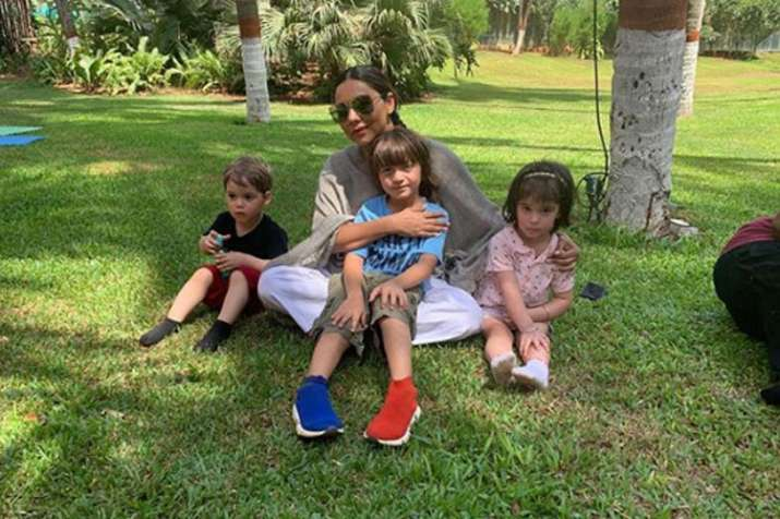 abram with mother- India TV