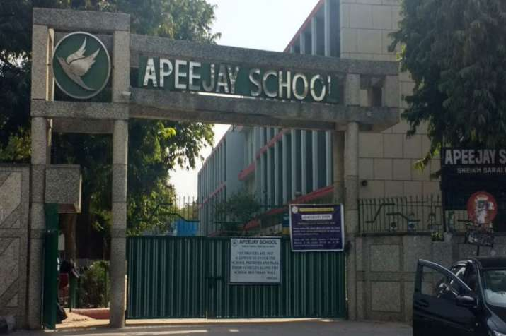 Delhi govt tells APJ school to reimburse Rs 2.09 crore to students- India TV