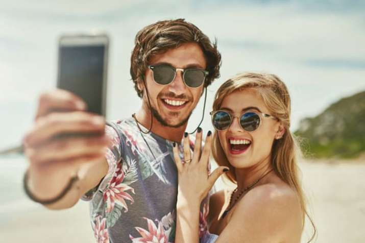 5 things to never post about your relationship on social media - India TV