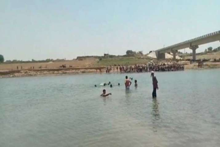 5 youth death due to drowning in sindh river- India TV