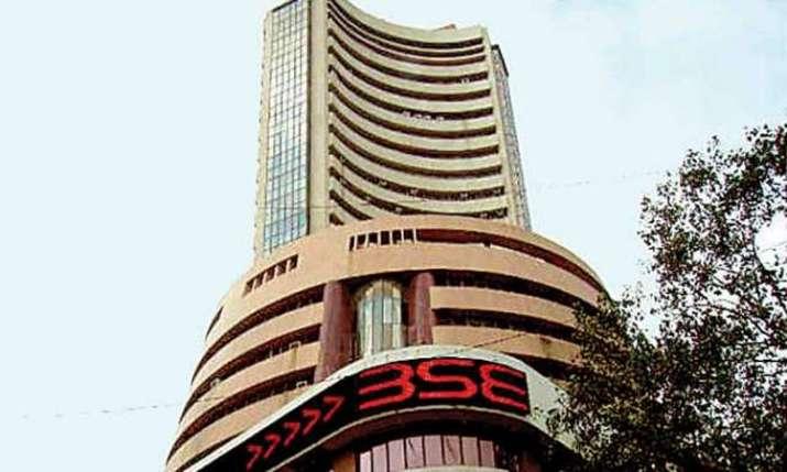 Markets end marginally lower; IT stocks drag- India TV Paisa