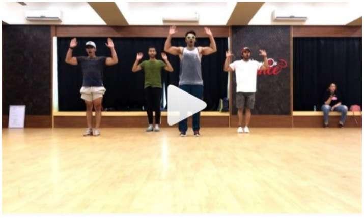 varun dhawan dance video- India TV