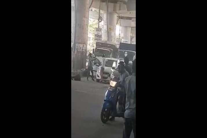 Shootout in Dwarka stuns Delhi, incident caught on camera | Watch video- India TV