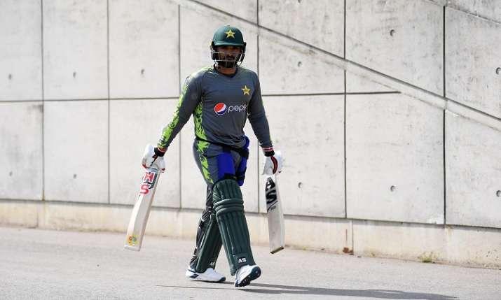 पाकिस्तानी क्रिकेटर...- India TV