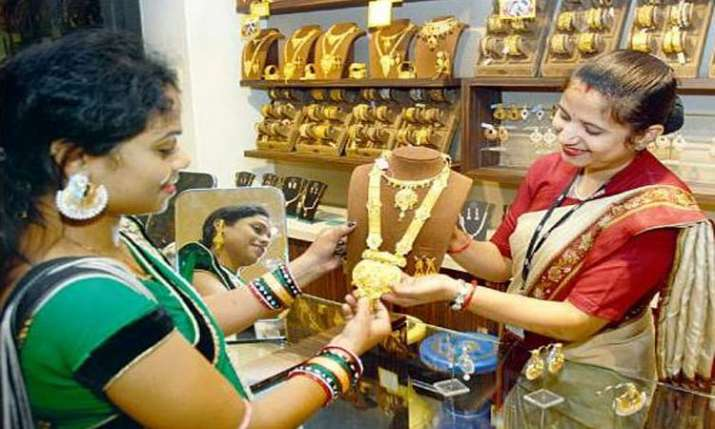 Gold prices rise by Rs 70 on jewellers' buying- India TV Paisa