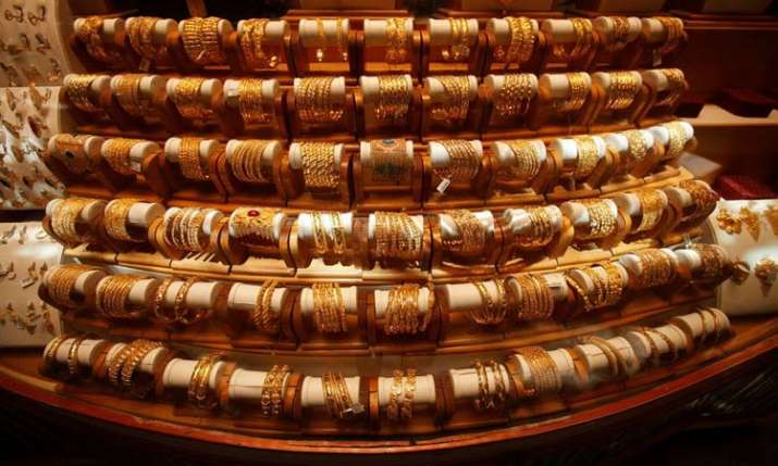 Gold climbs Rs 200 on jewellers buying, silver also firms up- India TV Paisa