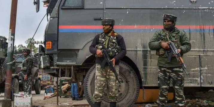कुलगाम में आतंकियों से एनकाउंटर, ताजिपोरा में सुरक्षाबलों ने आतंकियों को घेरा- India TV