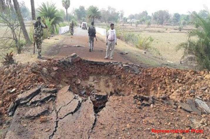 झारखंड के सारयकेला में आईईडी धमाका, 11 जवान ज़ख्मी- India TV