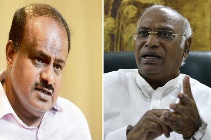 Karnataka CM H D Kumaraswamy, Siddaramaiah locked in...- India TV