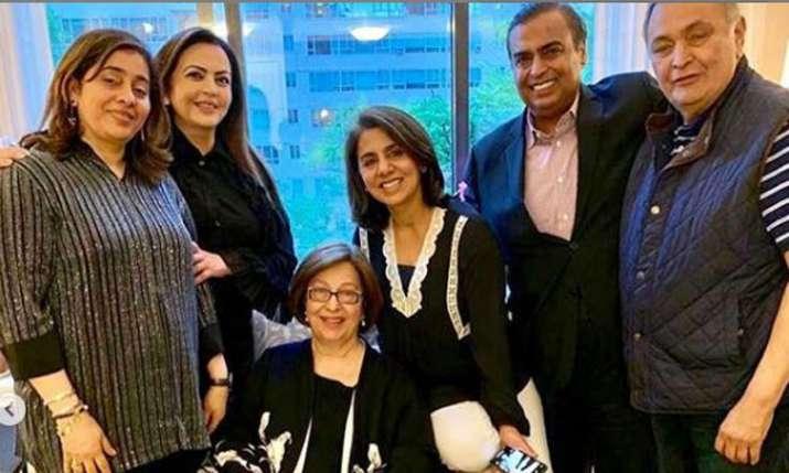 Mukesh Ambani and Nita Ambani meet Rishi Kapoor and Neetu Kapoor in New York- India TV