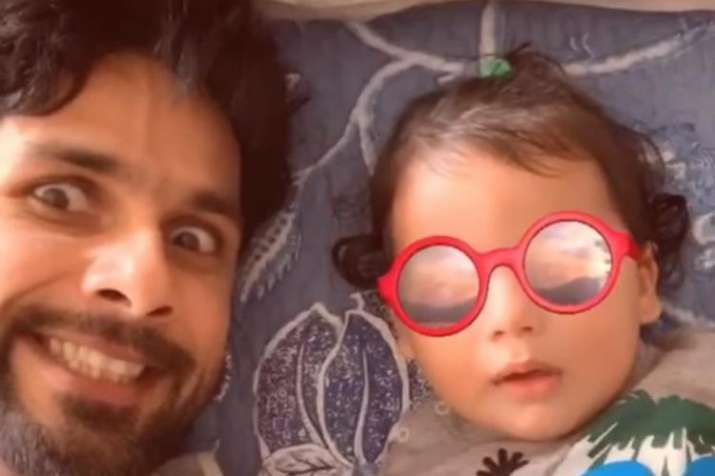 शाहीद कपूर और बेटा...- India TV