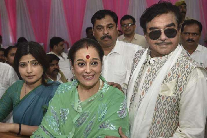 shatrughan sinha and poonam sinha- India TV