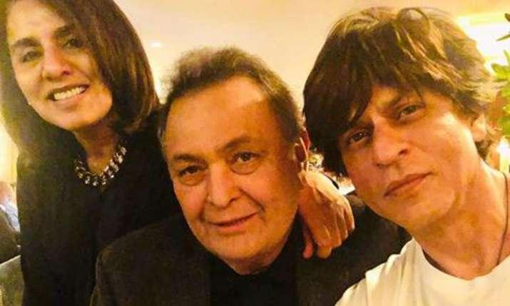 Shah Rukh Khan met Rishi Kapoor and Neetu Kapoor in New York- India TV