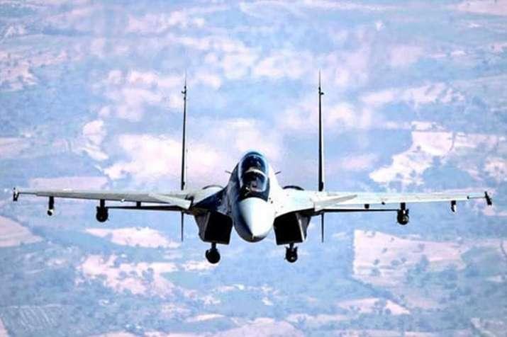 ब्रह्मोस के बाद डीआरडीओ ने सुखोई लड़ाकू विमान से गाइडेड बम छोड़ने का सफल परीक्षण किया- India TV