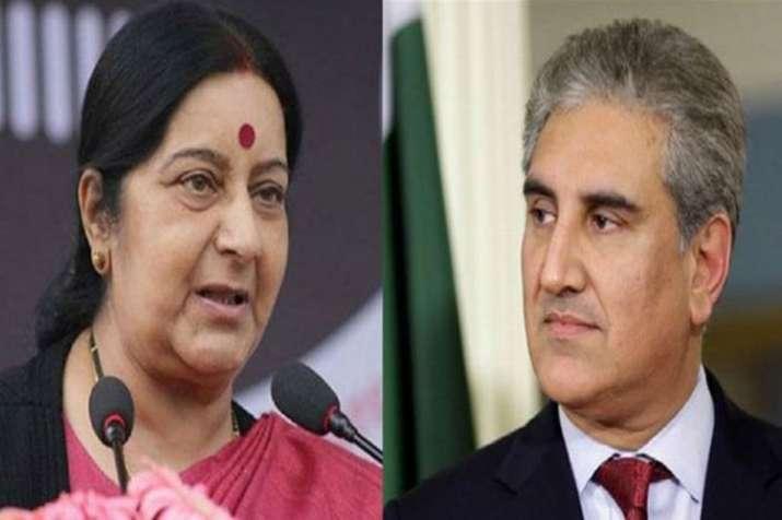 Sushma Swaraj, Shah Mehmood Qureshi sit next to each other at SCO meeting - India TV