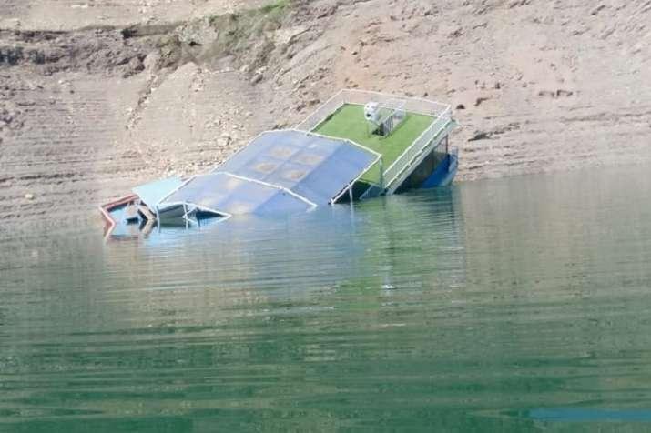 Part of floating restaurant submerges in Tehri Lake- India TV