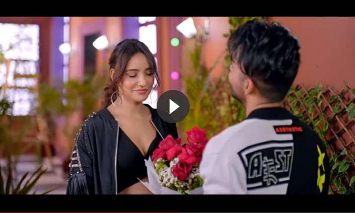 Dheeme Dheeme - Tony Kakkar ft. Neha Sharma | Official Music Video- India TV