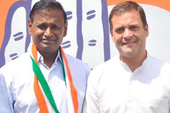 Udit Raj with Rahul Gandhi | Twitter- India TV