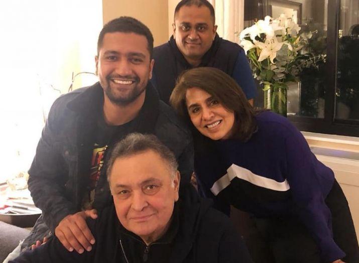 Vicky kaushal with rishi kapoor and neetu kapoor- India TV