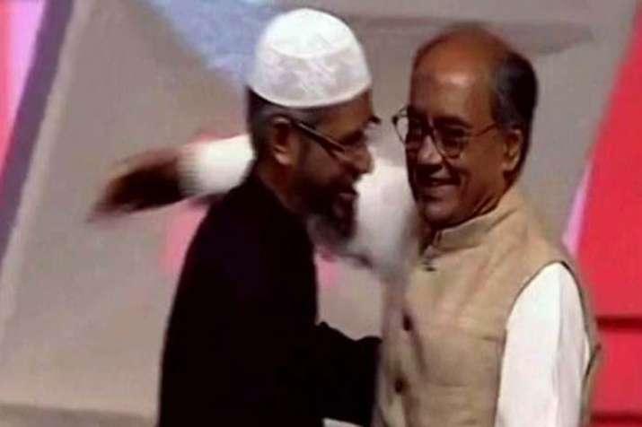 PM Modi targets congress party by naming Zakir Naik- India TV