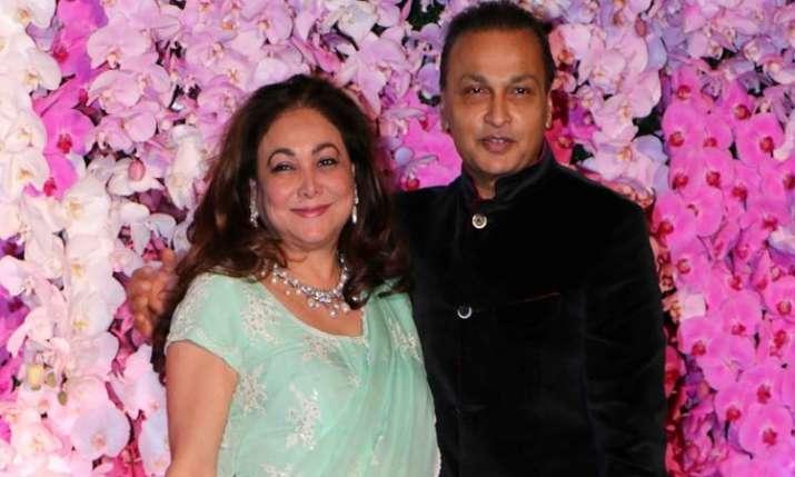 anil ambani with wife tina ambani- India TV Paisa