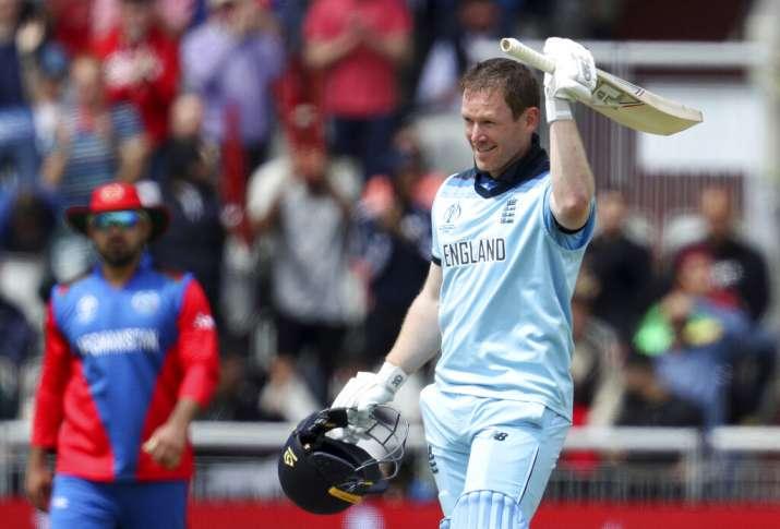 मोर्गन की धमाकेदार बल्लेबाजी के बाद आर्चर (3/52) -रशिद (3/66) की घातक गेंदबाजी से इंग्लैंड ने 150 रन- India TV