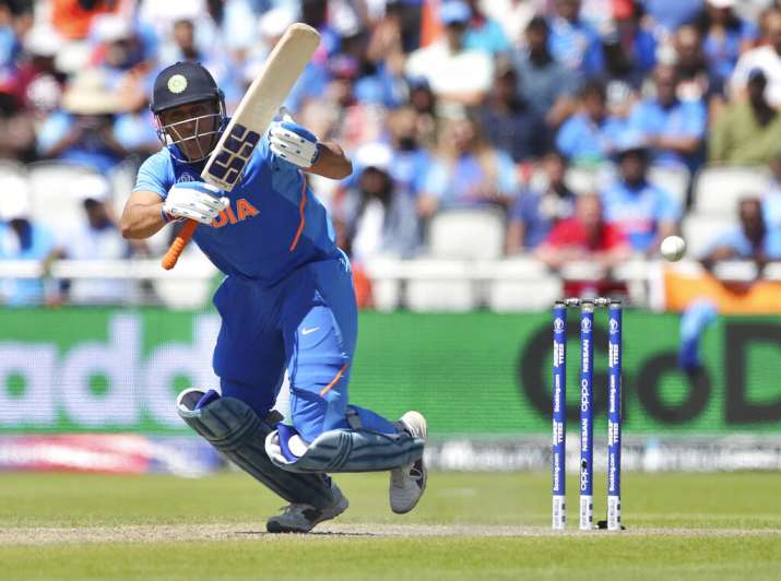 महेंद्र सिंह धोनी- India TV