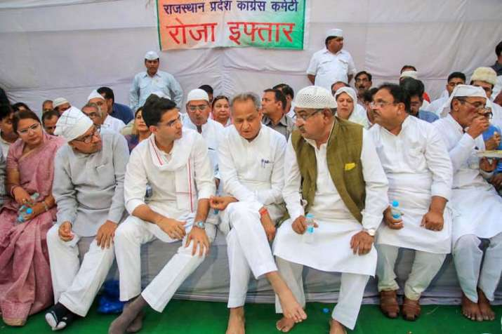 Rajasthan Chief Minister Ashok Gehlot with Rajasthan...- India TV