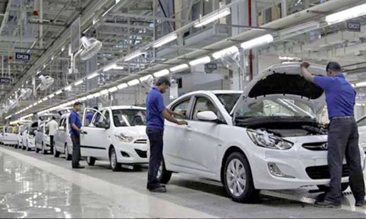 Auto sales drop in may, Maruti reports 22 pc decline - India TV Paisa
