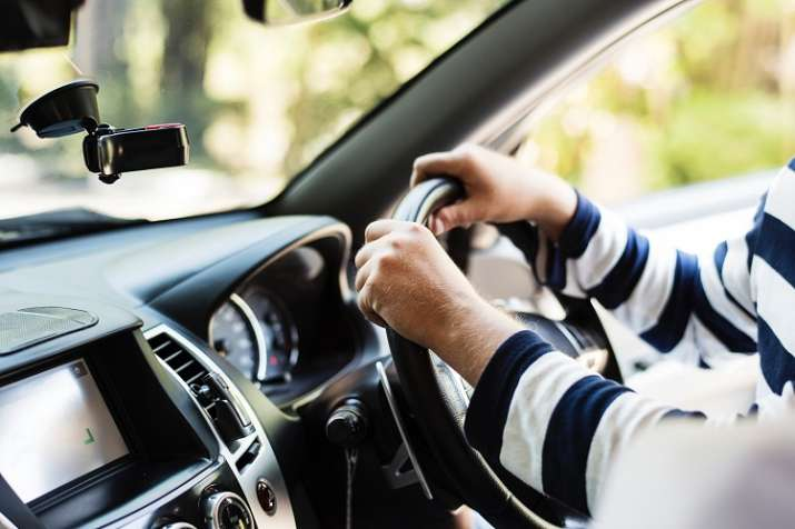 Govt to remove minimum educational qualification requirement for driving licence.- India TV