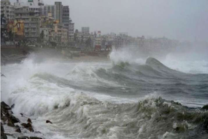 Gujarat likely to get heavy rain due to cyclonic storm- India TV